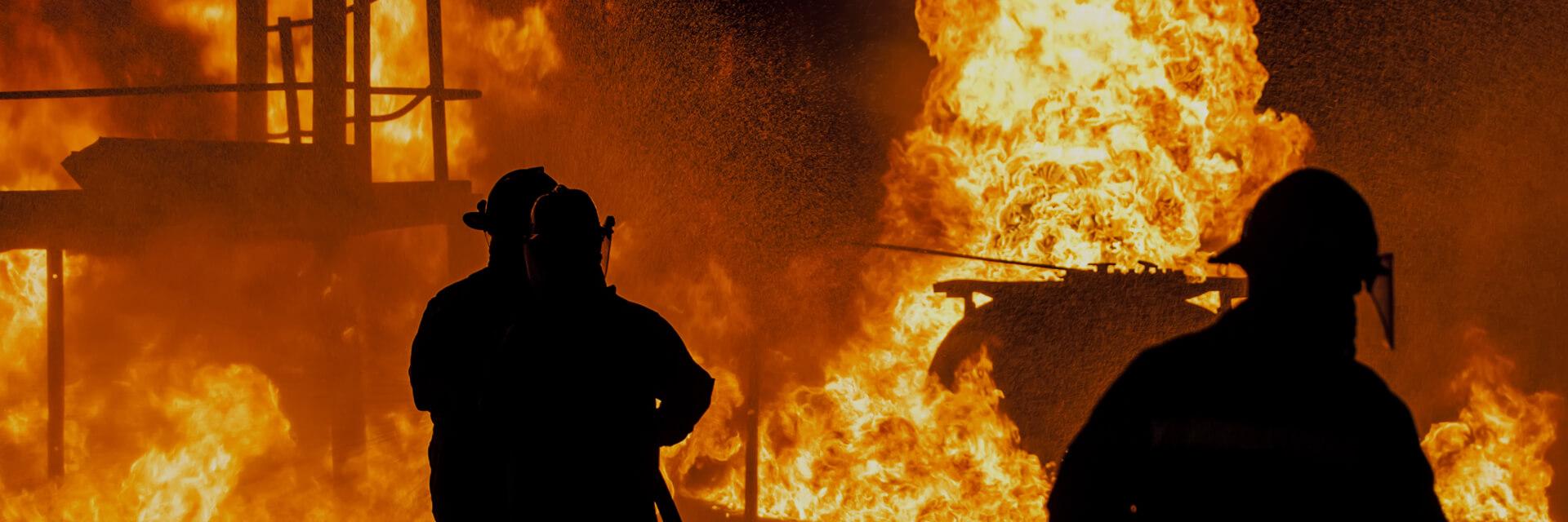 Yangınla savaşın ve çevrenizde daha fazla kolaylık ve hareketlilik ile hayat kurtarın.